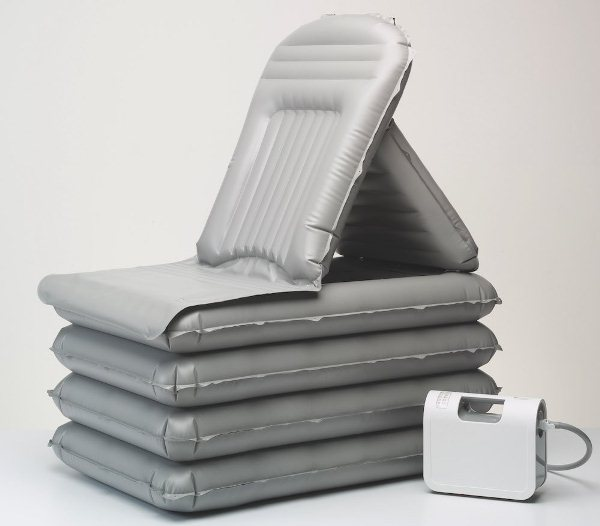 The-Mangar-Camel-inflatable-emergency-Lifting-Cushion-Chair-1.jpg